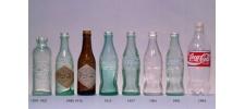 Эволюция бутылки Coca Cola.