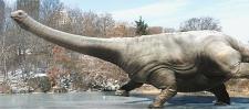 Динозавр на льду для Музея природы и науки Денвера.