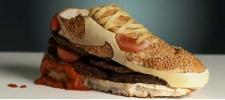 Nike Air Max в виде бутерброда.
