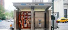 Мини-библиотеки вместо телефонных будок в Нью-Йорке.