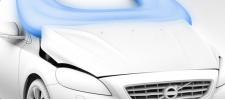 Volvo V40 с подушкой безопасности для пешехода.
